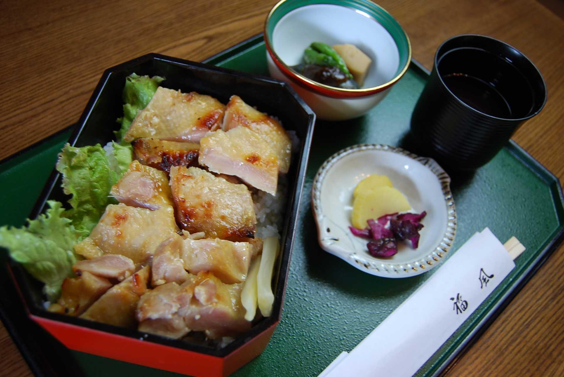 地鶏の西京味噌漬け丼